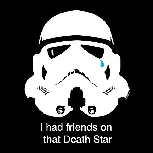 Надпись на майке Star Wars гласит:  "I had friends on that Death Star "